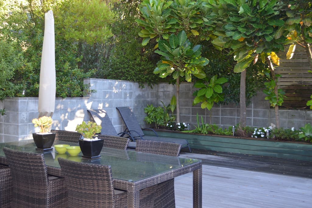 Entertaining Deck, including BBQ and Gas Heater
