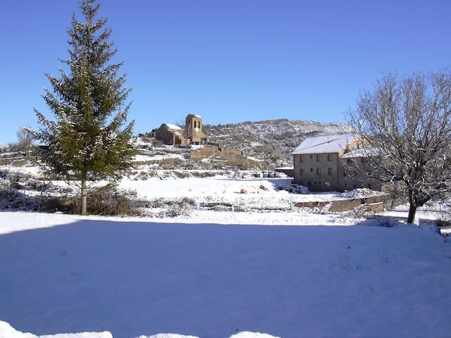 Casa en lo mas profundo del parq. natural de Guara - Huesca - Huis