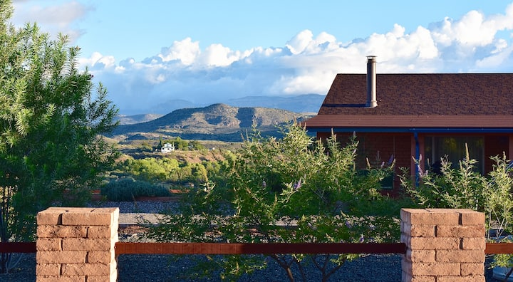 Vineyard Views @ Sunset Ridge~ minutes to Sedona!
