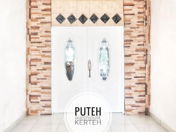 Cosy & Simple Guest House in Kerteh