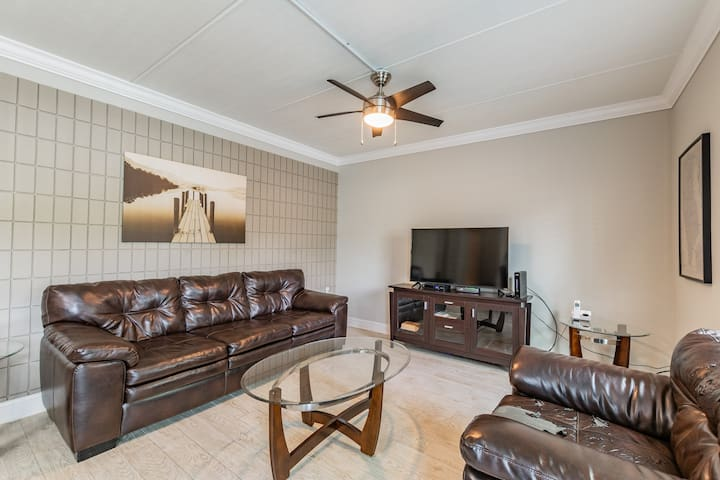 BEAUTIFUL REMODELED APARTMENT IN SOUTH TAMPA!!!
