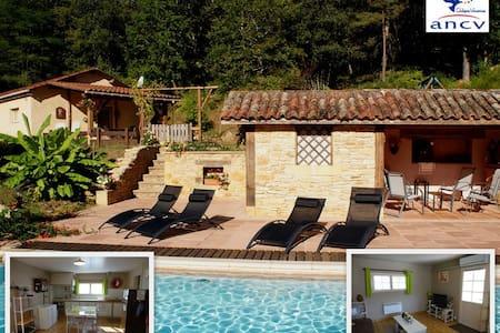 Gîte 2 pers. + bébé, piscine, près de Sarlat - Calviac-en-Périgord - 自然小屋