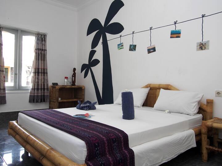 Queen Sized Comfort Room