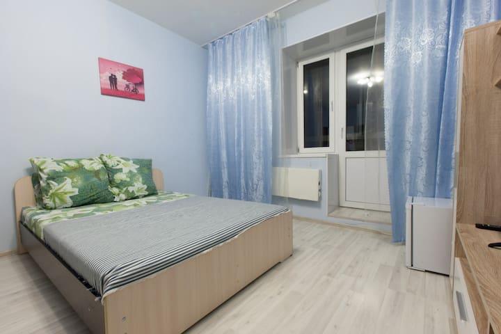 "Уютная комната ""море""/comfortable flat near subway"