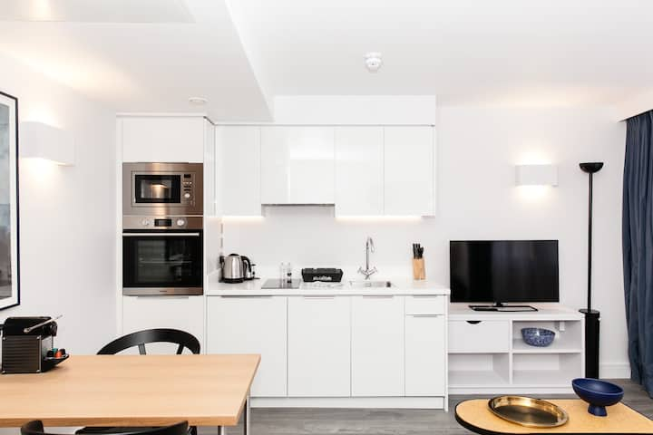 New Studio Apartment-Tower Bridge/ Aldgate