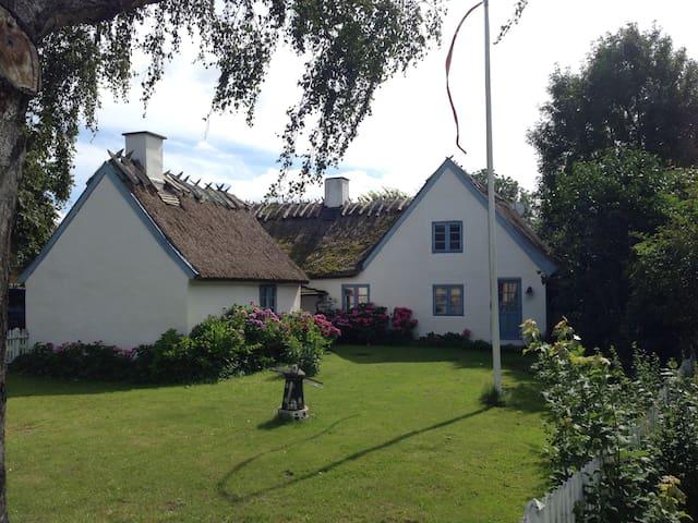 Hortensiagården er en autentisk gård fra 1827