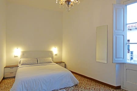 Big Room. 10 minutes walking from beach