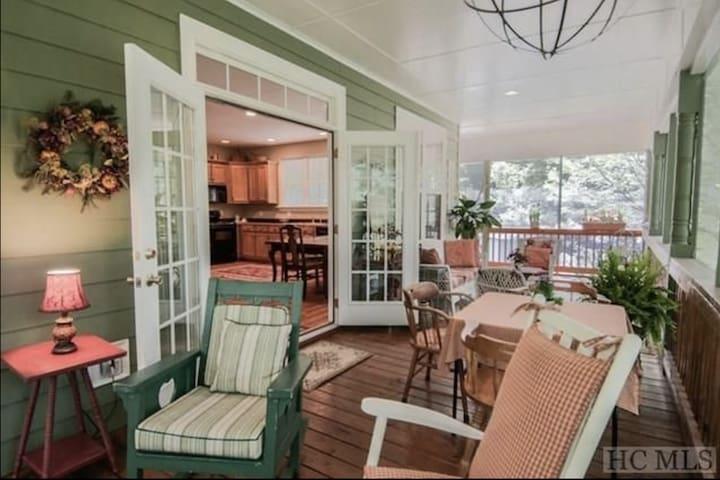 Idyllic Cottage @ Glen Falls-Special Spring Rates