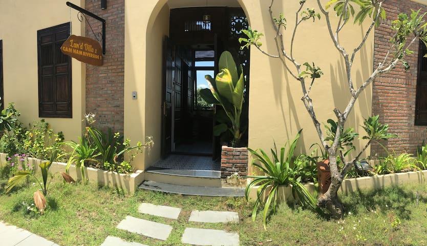 Cam Nam Riverside Villa -2 rooms & Private garden