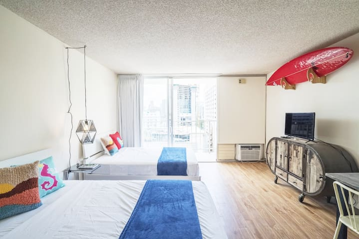 Waikiki One Parking! Renovated Clean Studio!(MS10)