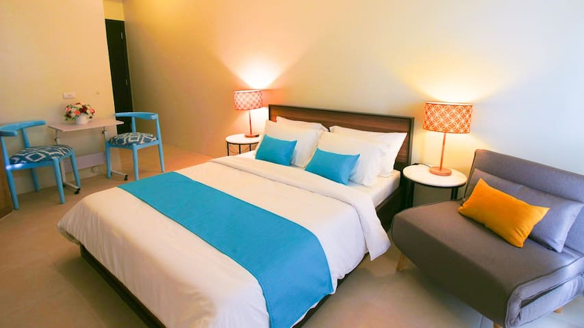 Tagaytay Centro Suite beside Serin Mall Deluxe 3