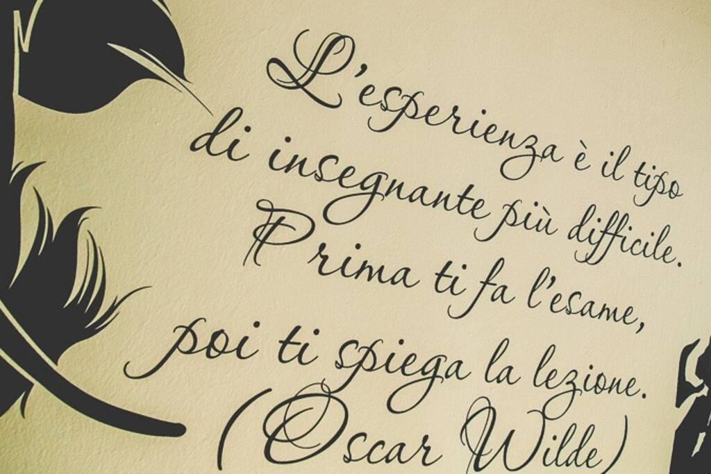 Particolare Grafica Camera Oscar Wilde