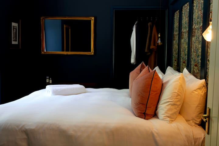 Bedroom with Super King size bed