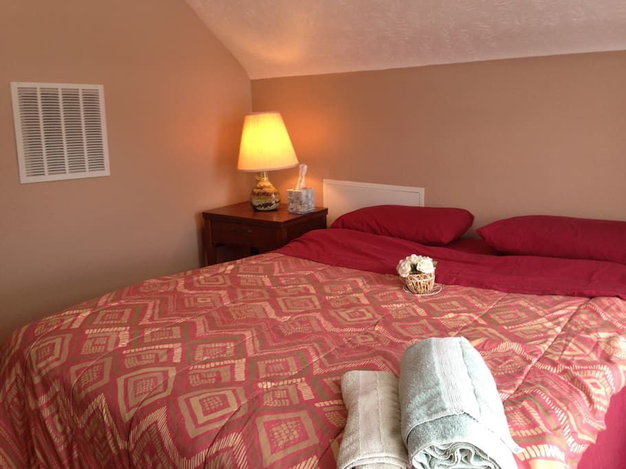 Cozy 1 Bedroom Close To Clinic Uh Apartments For Rent In Cleveland Heights Ohio United States