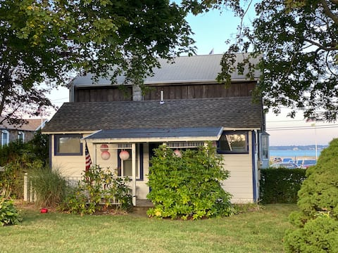 Cottage 3 | Cottage Cove| New Suffolk | NY
