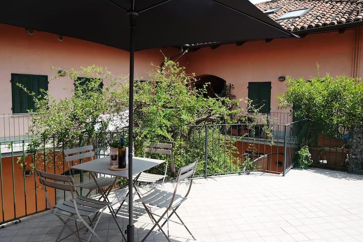 La casa di ringhiera- Boutique apartment & terrace