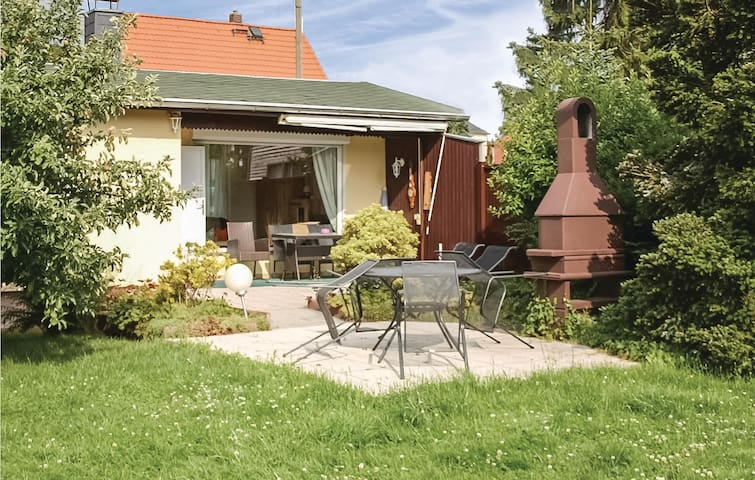 Holiday cottage with 2 bedrooms on 45m² in Radebeul/Lindenau