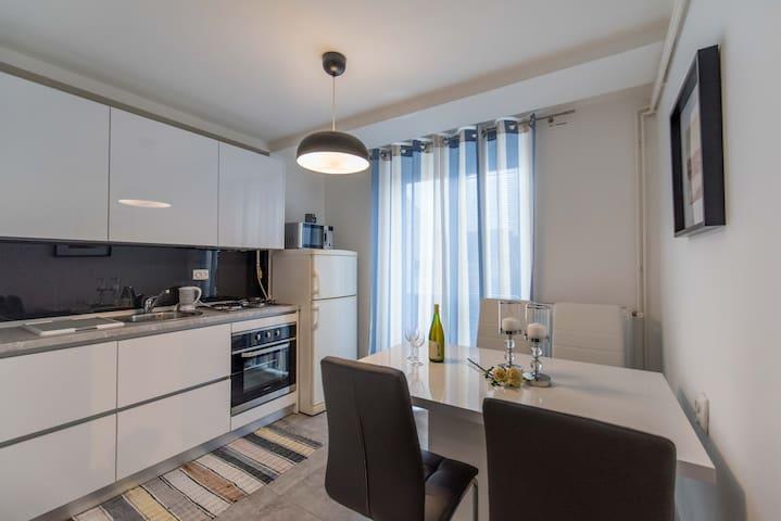 Apartman Lux u centru grada