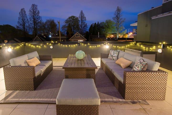 ArtDeco Modern Luxury :: Multi-Million Dollar home