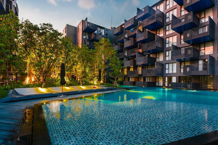 Large apartment in heart of Patong, 2 pools & gym