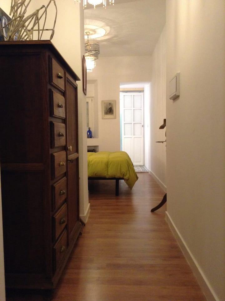 Independent  suite in Granada heart