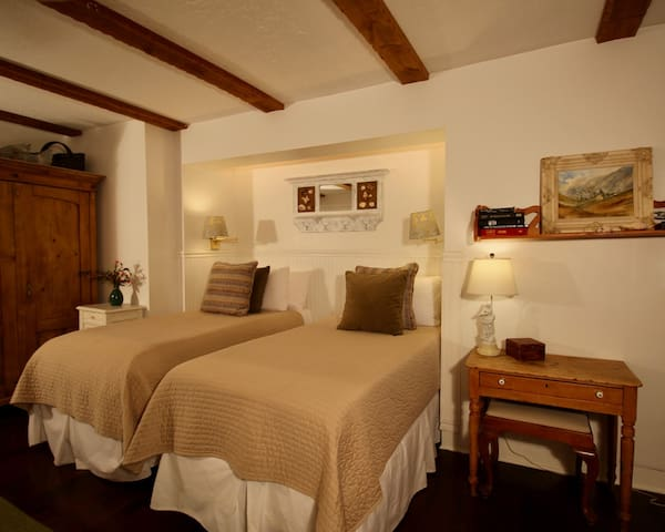 Bird Rock Cottage - The Bed & Breakfast Inn at La Jolla