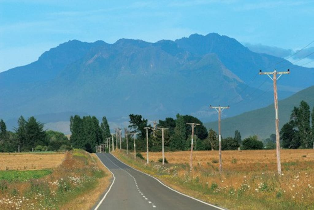 Mount Hikurangi - first mountain in the Southern Hemisphere