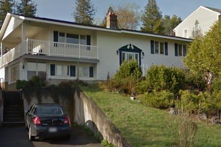 Beautiful 6BR lakeside house for rent - Saint John - Ev