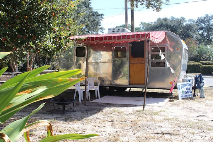 Cozy 1959 Yellowstone camper - Pensacola - Husbil/husvagn