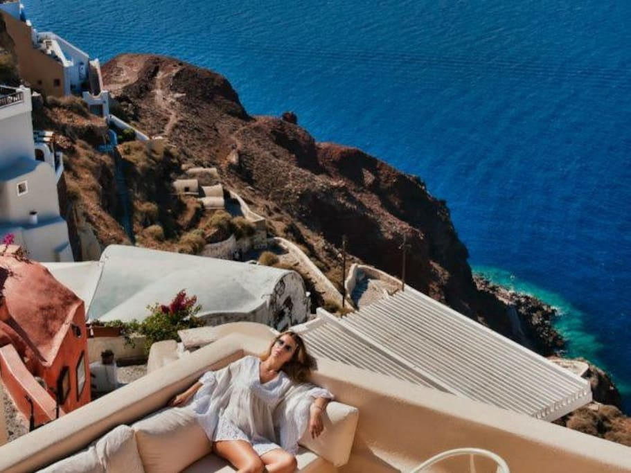 One of the best location of Santorini!