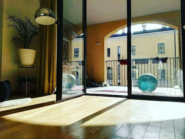 Milan Cosy SMART home with Terrace & Kingsize bed