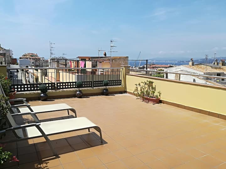 BEAUTIFUL HOUSE IN THE CENTER OF THE PALAMOS A FEW METERS FROM THE BEACH