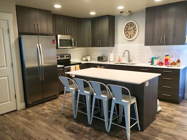 New! 3 bedroom town home