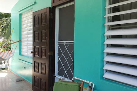 Art Oceanside Retreat BIG 2 BEDROOM - Isabela - 別荘