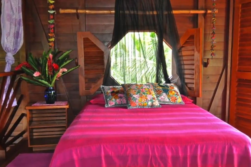 Upstairs bedroom w/ jungle views