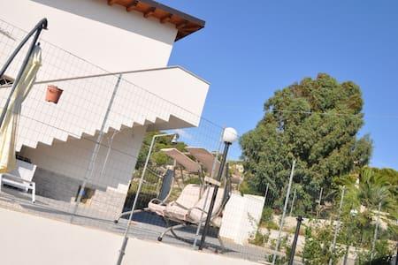 Attico in Villa Zona Mollarella