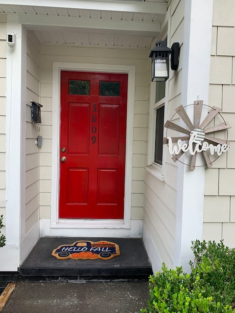 Dog friendly room in the heart of Rosewood