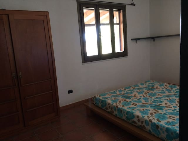 CASA VICINO A PORTOPINO - Is Lais - Appartement