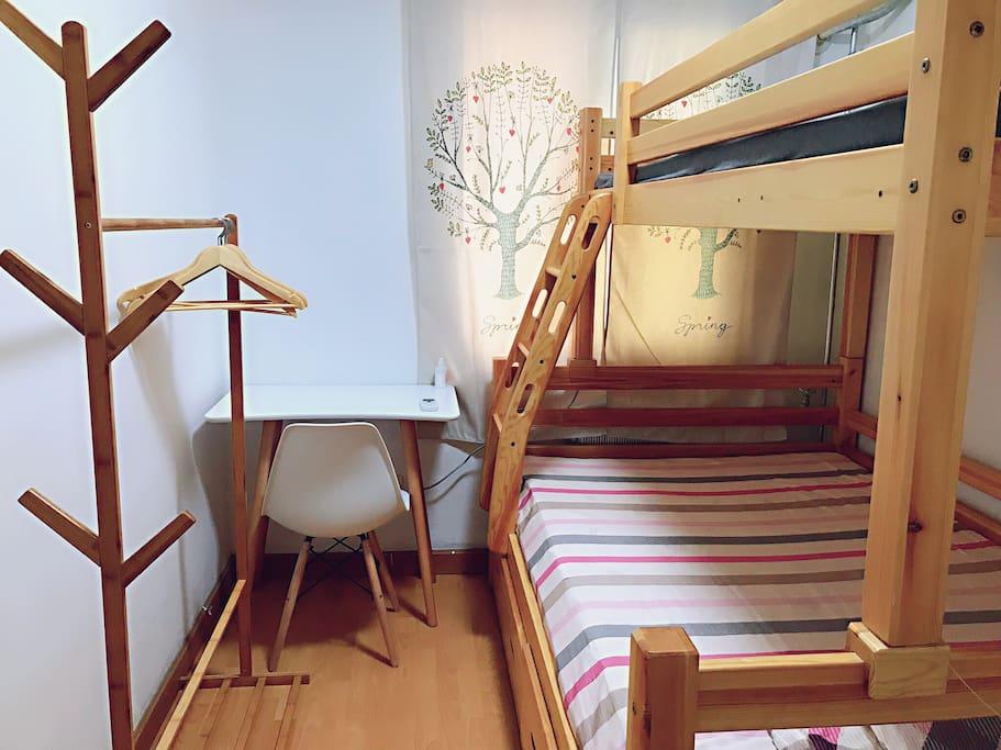 住宿的小房间,有空调