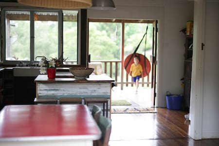 A place of your own in Bello - large breezy funky - Bellingen - House