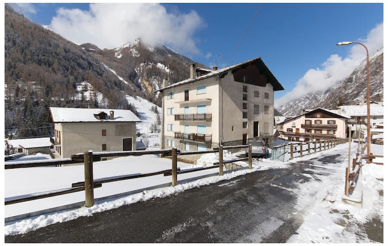 Holiday apartment with 3 bedrooms on 90 m² in Cogne AO