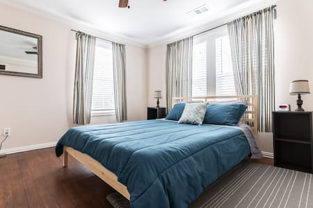 Close to Baylor, Uptown, Downtown and DART - Dallas - Huoneisto