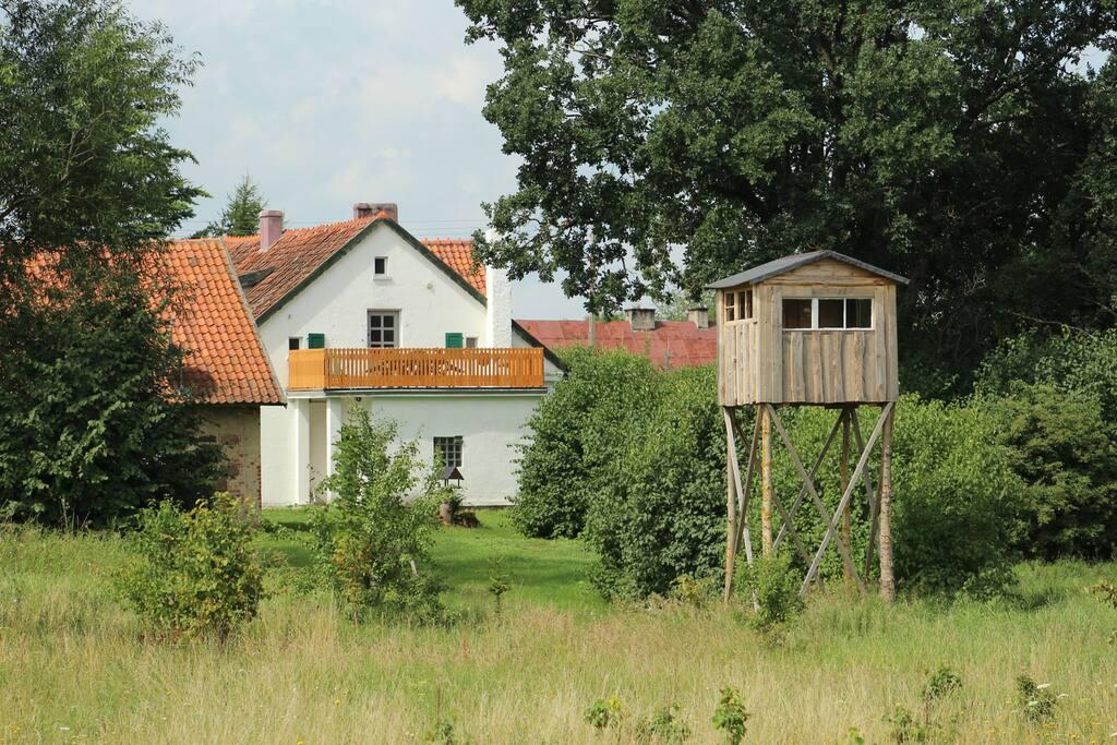 Das Landhaus mit Hochsitz