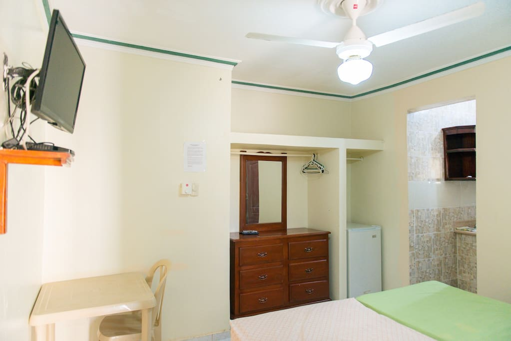 This studio includes Cable channel TV, equipped kitchennette, cookware and  dishwate