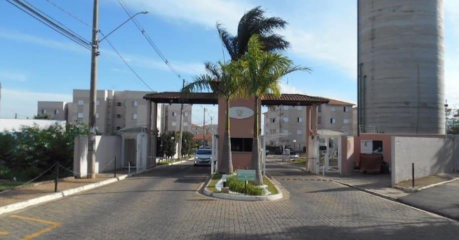 New Canaan, hostel