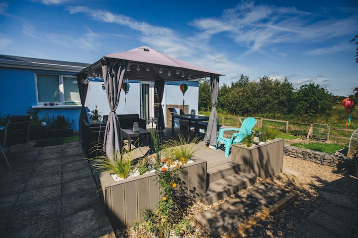 *Cozy Garden Guest Suite-Near Town-Private Entry
