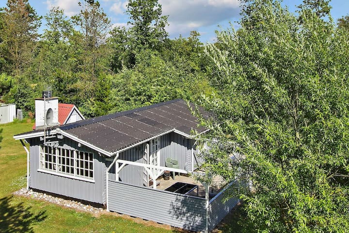 6 person holiday home in Oksbøl