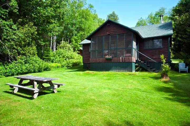 RIssbern II - Very charming and private setting on over 400ft of lake frontage