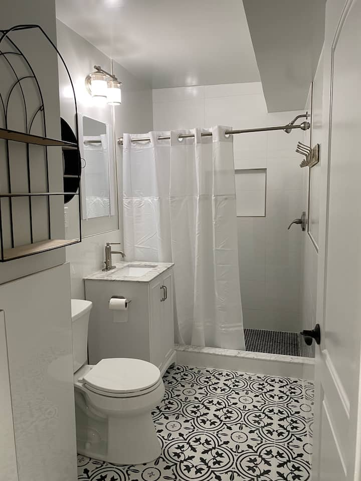 Single room in a 3b2b new apartment close to Upenn