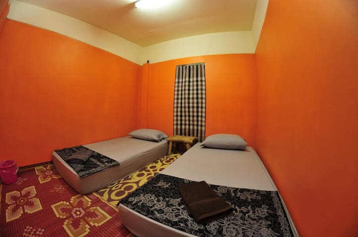 Double room, shared bathroom N2 @FULL MOON - Ko Pha-ngan - Huis